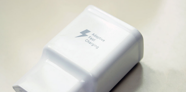 Adaptive Quick Charger for Samsung S7 Edge